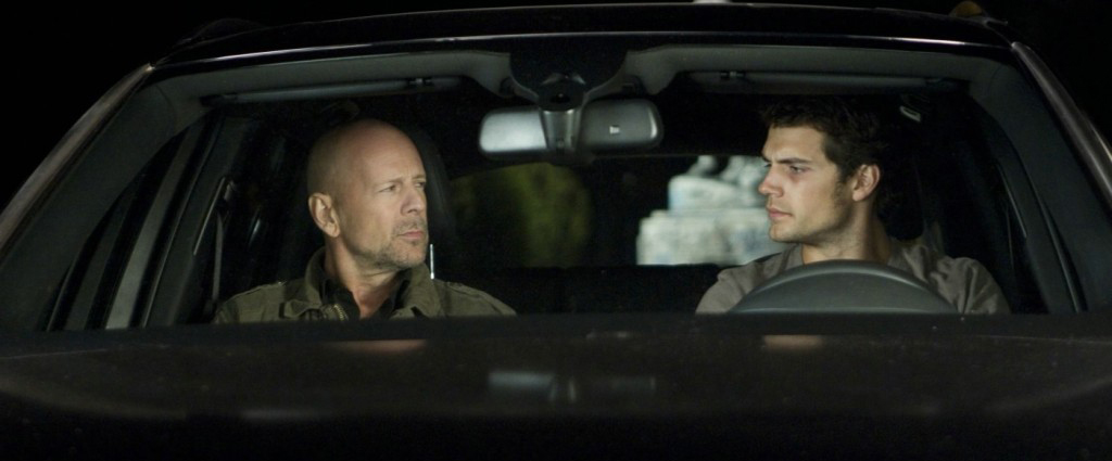 Bruce Willis y Henry Cavill en The Cold Light of Day