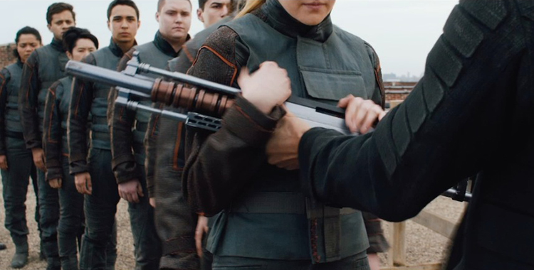 divergent-movie-screenshot-gun