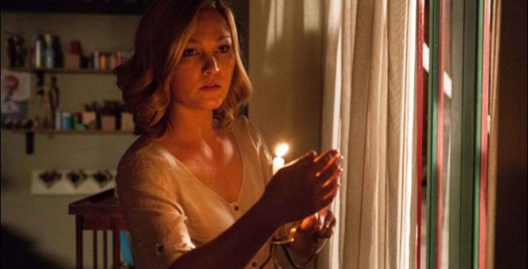 Out of the Dark - Julia Stiles
