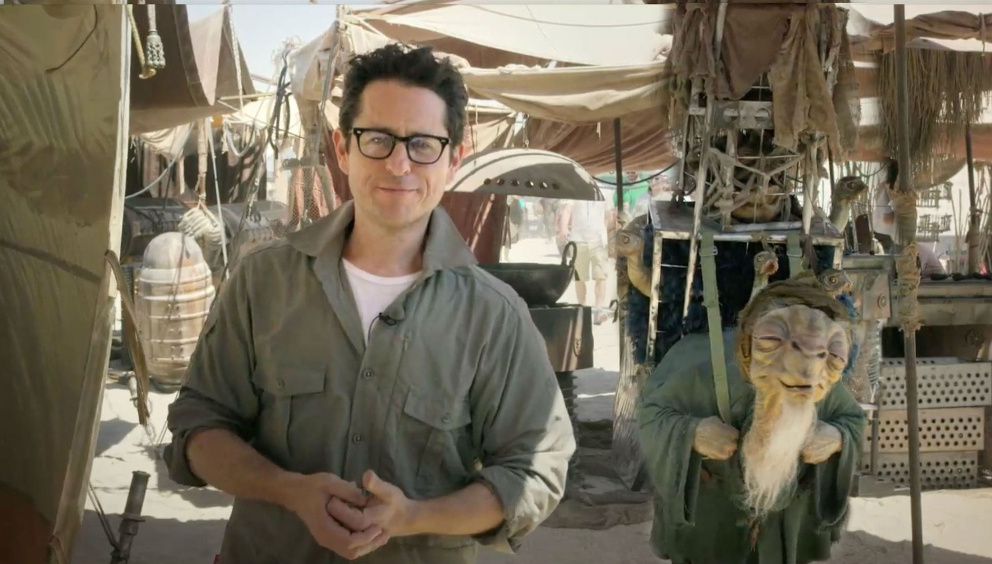 JJ-Abrams-Star-Wars-Force-Awakens-set